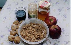 Charoset-ingredienser Foto från Wikipedia