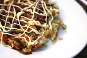 Okonomiyaki – japansk omelett Foto från Japan Centre