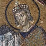 Konstantin på en mosaik i Hagia Sofia från omkring år 1000. Bild från Wikipedia