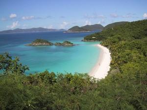 Trunk Bay på Saint John som är den tredje största ön i Amerikanska Jungfruöarna.