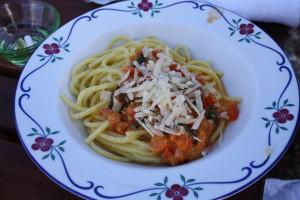 Pasta med färsk tomatsås. Foto: Caroline Maino