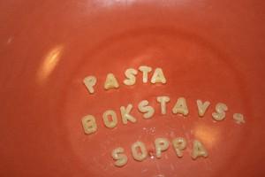 Pastabokstäver till bokstavssoppa Foto: Caroline Maino