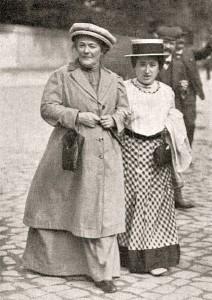 Clara Zetkin, initiativtagare till den internationella kvinnodagen, och Rosa Luxemburg. Bilden är från 1910.