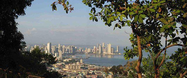 Panama city Foto: DirkvdM/Liftarn
