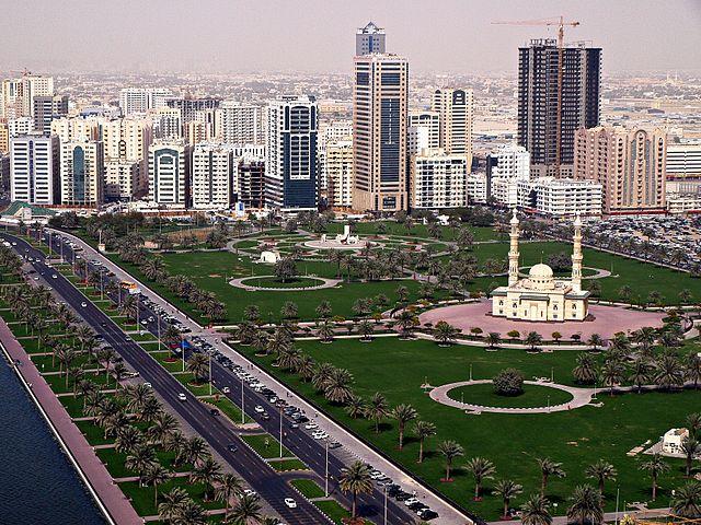 Huvudstaden Abu Dhabi Foto: Basil Soufi (BDS2006)