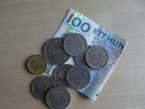 Pengar till behövande - vanlig offergåva i Sverige Foto: Lena Ahlström