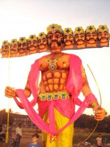 Den tiohövdade demonguden Ravana. Foto: Jagadhatri