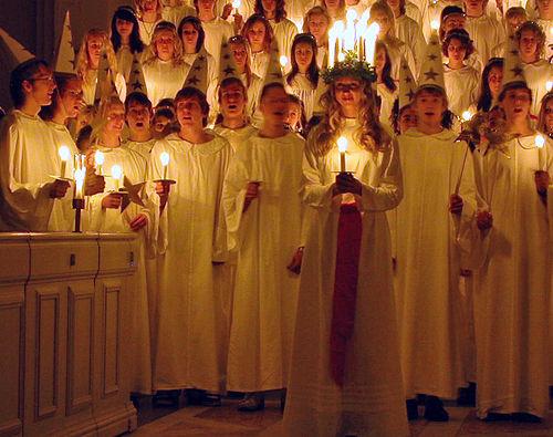 Luciatåg i en svensk kyrka Foto: Claudia Gründer