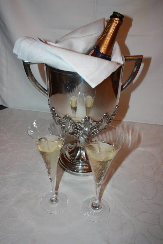 Champagne tycker många om att fira högtider med. Foto: Caroline Maino