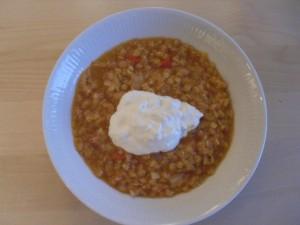 Röd linssoppa med sval citronyoghurt Foto: Lena Ahlström